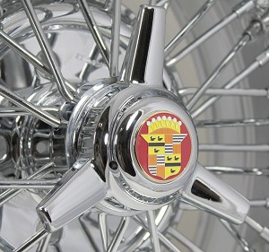 Cadillac 3-Bladed Knock-Off Style Spinner